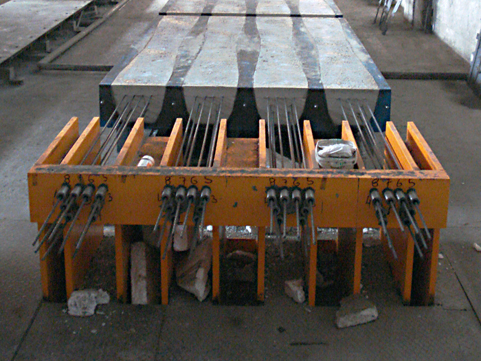 Post Tensioning Bar : Advantages and disadvantages of prestressed concrete