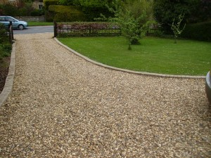Crushed Stone Driveways – Construction Steps, Advantages and Installing Cost